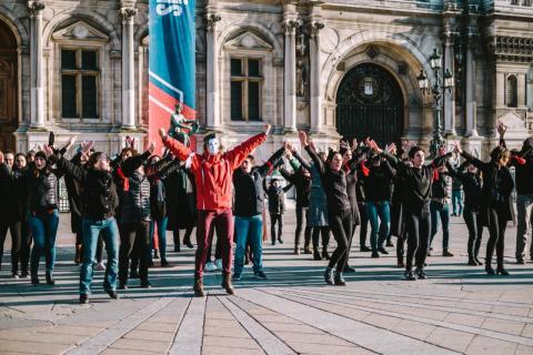 Flash mob des personnels de l'enseignement supérieur et de la recherche le 22 janvier 2020 place de Grève à Paris.